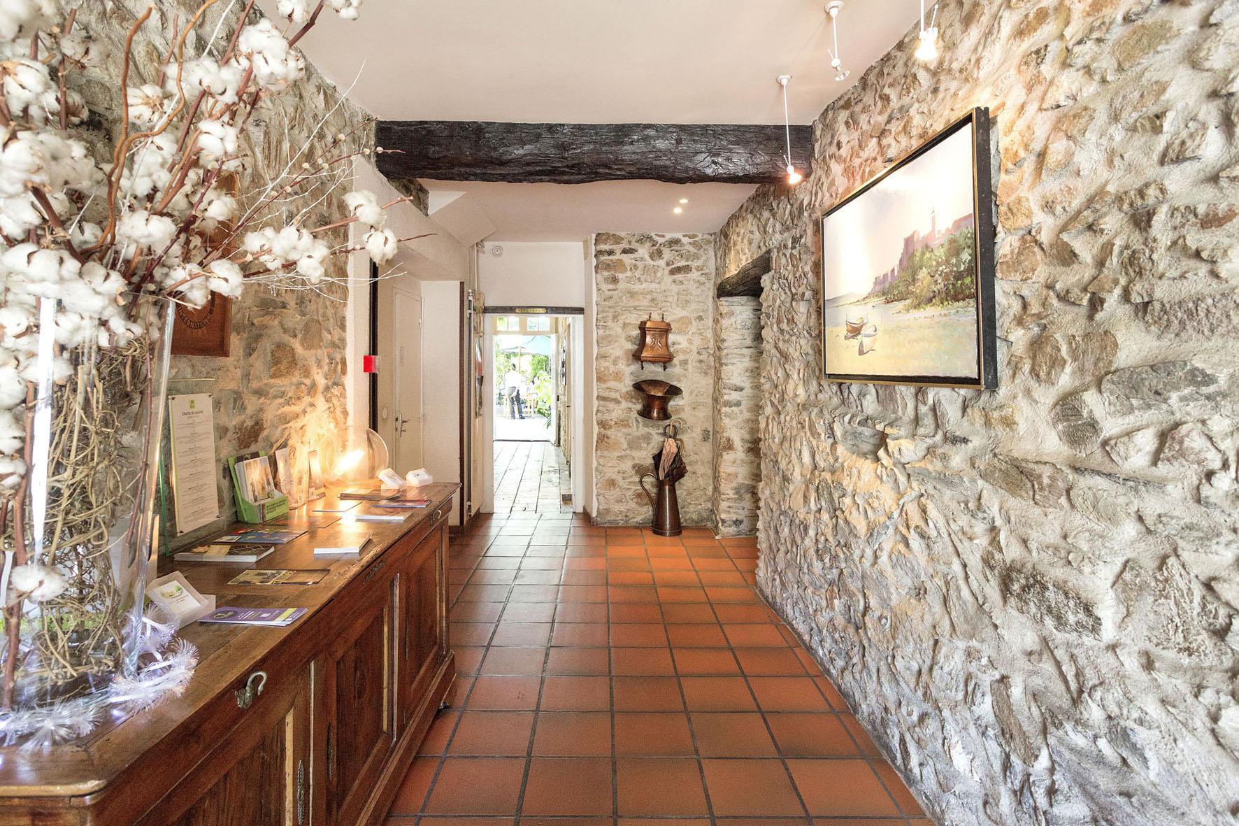 Hotel Restaurant Du Midi Revel